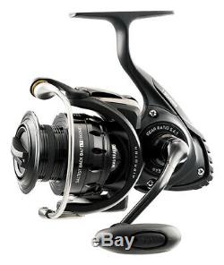 Daiwa Saltist Back Bay LT Light Saltwater Spinning Fishing Reel STTBB3000LT